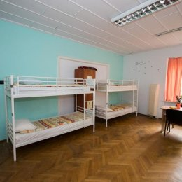 Cazare gratuită în hostelurile brașovene pentru copiii săraci care vor să viziteze orașul