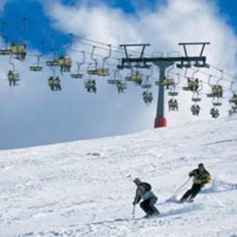 """Sinaia """"a luat fața"""" Poienii sau Predealului și a fost desemnată """"cea mai bună stațiune de schi din România"""""""