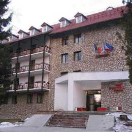 Hotelul Poiana din Poiana Brașov va fi modernizat cu 5 milioane de euro. Va fi redeschis în 2019