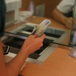 Ratele bancare pot fi amânate pentru anul viitor. Solicitarea trebuie făcută până la sfârșitul stării de urgență