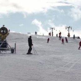 Consilierul Șerban Șovăială a pierdut licitația pentru livrarea tunurilor de zăpadă de la Straja
