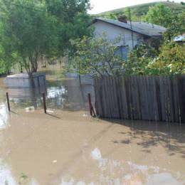 Cod portocaliu de inundații pe Olt până vineri la prânz