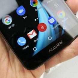 Cădere la jumătate a afacerilor producătorului brașovean de telefoane Allview