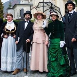 """FOTO Turiștii vor putea afla istoria Brașovului de la două personaje noi, în cadrul proiectului cultural """"Istoria la persoana întâi"""""""