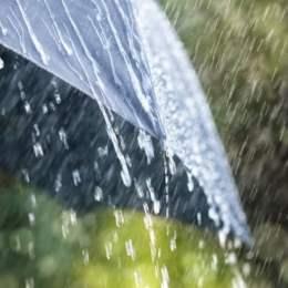 Cod galben de ploi torenţiale, descărcări electrice şi vijelii, până sâmbătă, la ora 21.00
