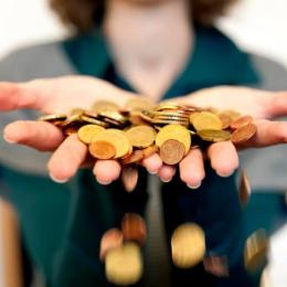 Salariul mediu net a scăzut cu 2,9% în luna august. În ce domenii s-au înregistrat cele mai semnificative scăderi