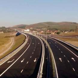 Un proiect de lege care vizează construcția autostrăzii Brașov – București până în 2021 a fost înregistrat ieri la Senat