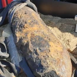 O bombă de aviație de 50 de kilograme, descoperită la ieșirea din Codlea