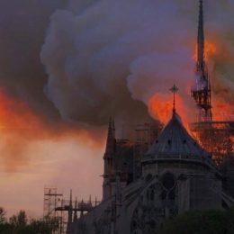 Dracula, alături de francezi după incendiul de la Notre Dame: Gratuitate pentru cetățenii francezi, la Castelul Bran