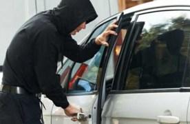 VIDEO O nouă metodă de furt din autoturisme: cu moneda