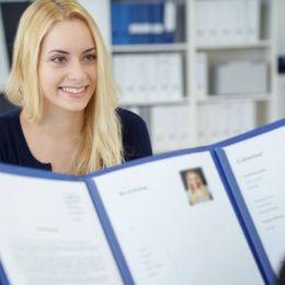 STUDIU Românii nu își negociază salariul la interviul de angajare, deși acesta poate crește cu până la 25%