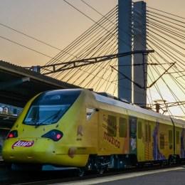 FOTO Al treilea tren electric românesc va face, de mâine, legătura între Brașov, București și Craiova