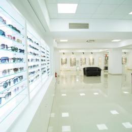 Brandul de optică Lensa își pregătește intrarea pe piața brașoveană