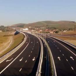 """Dăncilă a scos autostrada Brașov – Comarnic de pe lista PPP-urilor ca să """"o facă"""" mai repede, dar nu l-a anunțat și pe Răzvan Cuc. Acesta continuă negocierile cu firmele din China și Turcia"""