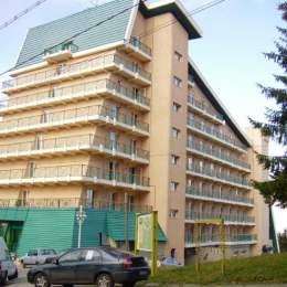 """Anghel Iordănescu vinde fostul Hotel Cioplea din Predeal cu 3,65 milioane de euro. El îl cumpărase pe vremea lui Văcăroiu """"cu intervenții de sus"""""""