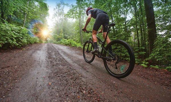 1,33 milioane de lei pentru amenajarea traseelor de mountain bike dintre masivul Postăvarul și Poiana de Jos