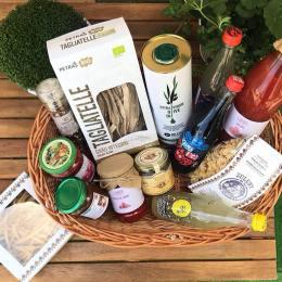 63% dintre românii care au ieșit la cumpărături în perioada post-izolare au achiziționat produse de la comercianții locali