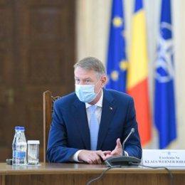 """Iohannis despre evoluția epidemiei: """"Dacă rămânem vigilenţi şi responsabili, vom face posibilă ridicarea cât mai rapidă a restricţiilor"""""""