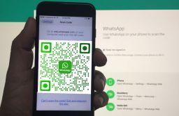 Utilizatorii WhatsApp își vor putea adăuga contactele noi în agendă prin scanarea codurilor unice QR