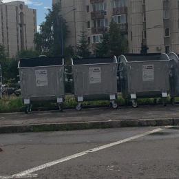 FOTO Boxele de gunoi din cartierele administrate de Comprest, înnoite cu eurocontainere