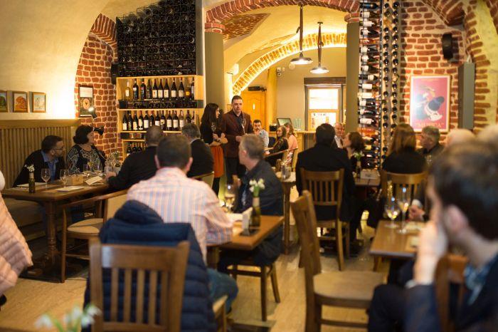 """Gastro-wine-ul Vinto s-ar putea extinde la Brașov """"cu un meniu local cu produse specifice"""""""