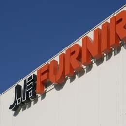 COVID-ul disponibilizează 90 de angajați ai companiei JF Furnir