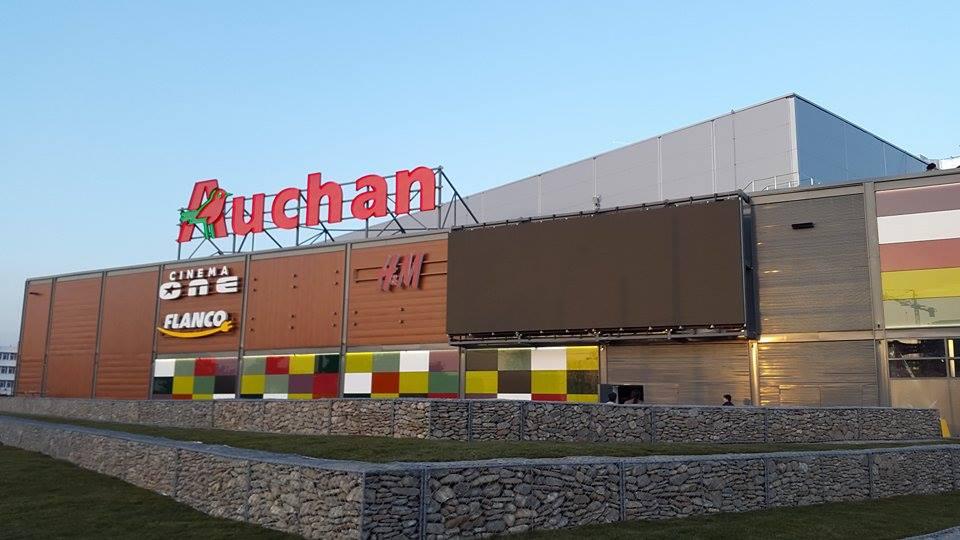 Auchan va începe să vândă smartphone-uri recondiționate la prețuri reduse