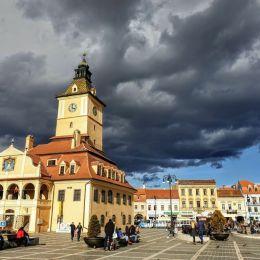 STUDIU În următorii 50 de ani, Brașovul ar urma să își reducă populația cu 4,5%/ Județele vecine Prahova și Argeș vor pierde peste 600.000 de locuitori