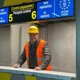 """Biroul """"check-in"""" al Aeroportului Internațional Brașov a fost """"deschis"""". Tu unde ai vrea să zbori pentru prima dată de la poalele Tâmpei?"""