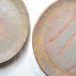 石目の風合いが魅力的な備前焼のたたき皿