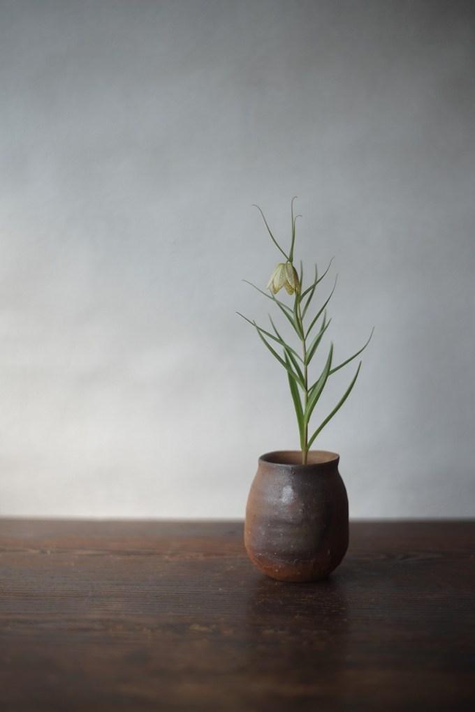 備前小壺 Yoshiteru Takariki -貝母百合-