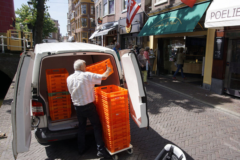 Top 5 Reasons to Use a Professional Courier