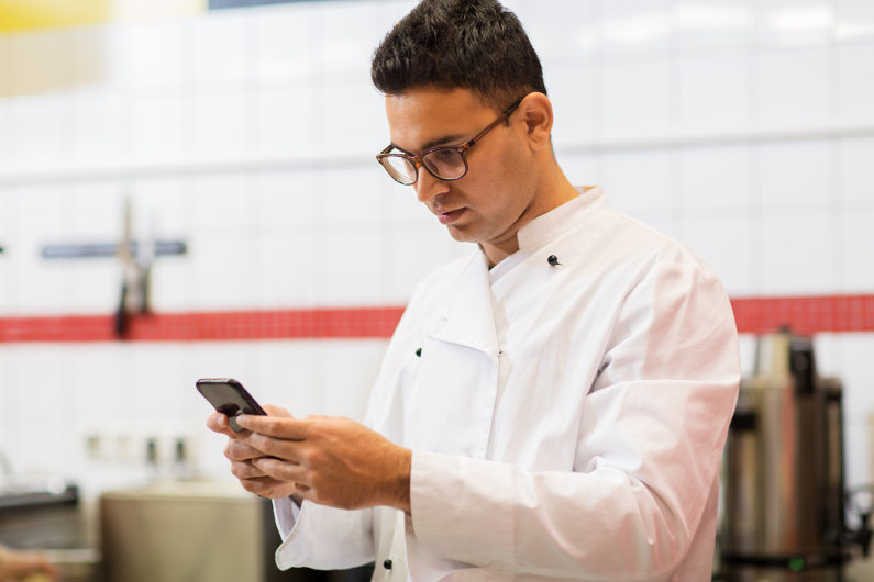 14 Best Apps for Busy Restaurant Owners