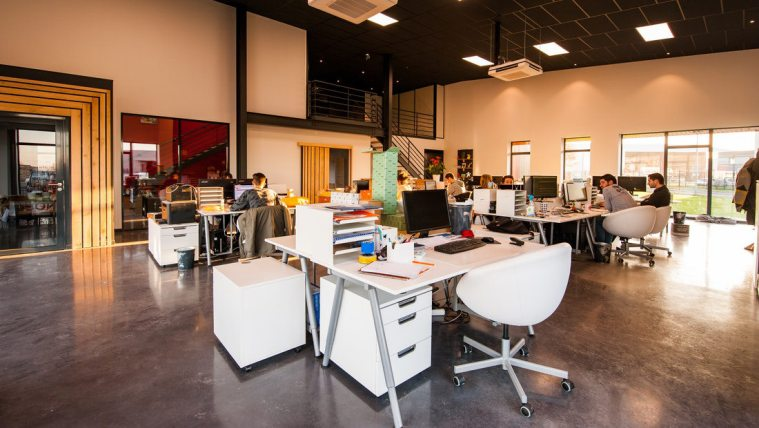 Is a Serviced Office Right for Your Small Business? Here are the Pros and Cons