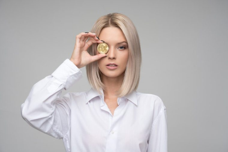 8 Most Influential Women in Cryptocurrency (Infographic)