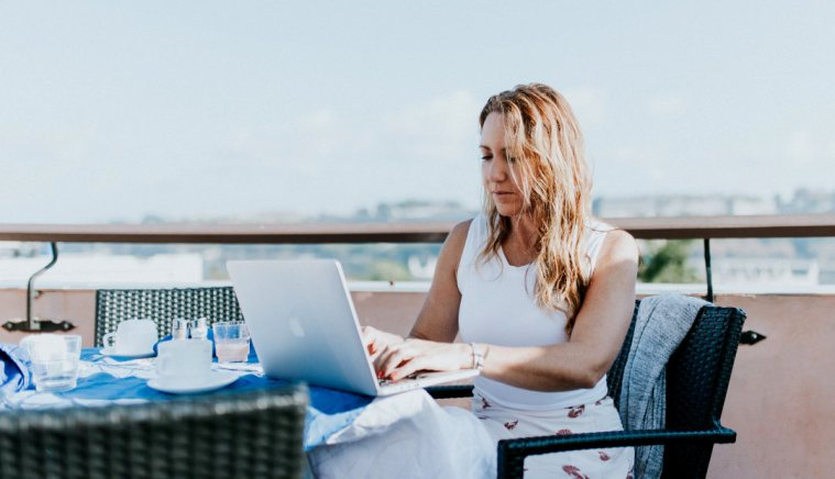 Becoming a Digital Nomad: Here's How (Infographic)