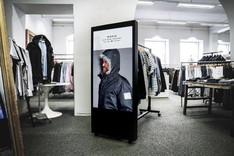Portable digital signage ad