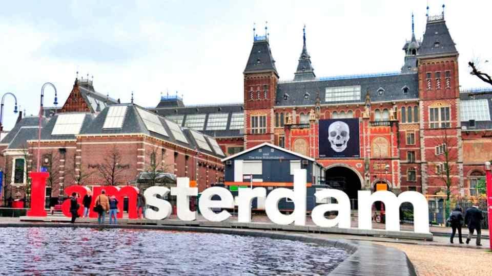amsterdam yazisi Amsterdamda Gezilecek Yerler
