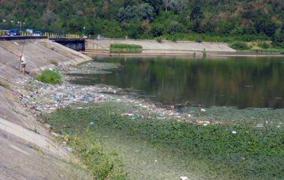 Malurile Jiului – groapa de gunoi a cetățenilor Târgu-Jiului