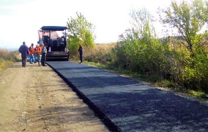 Se reabilitează DJ 674 Vlăduleni – Ionești. Vor fi făcute și pasaje CF, piste pentru bicicliști și stații pentru autobuze