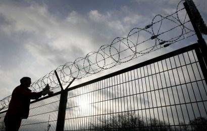 Închisoare la domiciliu pentru corupţi