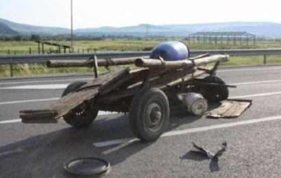 Copilaș mort după ce s-a răsturnat o căruță peste el