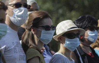 Încă un oraș impune masca obligatorie