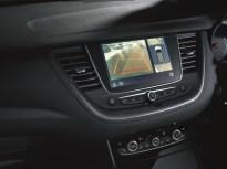 my18_grandland-x-interior-1_1800x1800