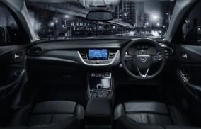 my18_grandland-x-interior-7_1800x1800