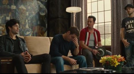 The official trailer tease for 'Entourage' is rocking the internet