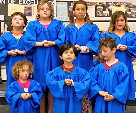 washington post children chorus sing to mock trump tweets