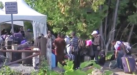 illegals border crossing to canada from united states