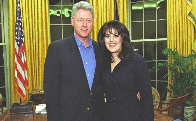 monica lewinsky bill clinton oval office photo