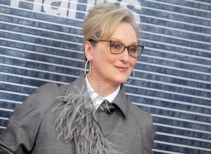 #SheKnew posters call out Meryl Streep for alleged Weinstein hypocrisy